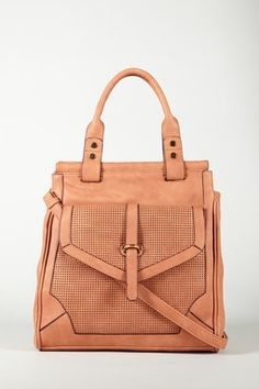 love the colour of this bag. WANT