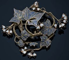 LALIQUE__ 1900 Brooch w/yellow-gold branches, leaves and buds. Spiral branches and plique-à-jour leaves and buds of black enamel and small diamonds. Bijoux Art Nouveau, Art Nouveau Jewelry, Jewelry Art, Vintage Jewelry, Jewelry Design, Lalique Jewelry, Black Enamel, Belle Epoque, Art Decor