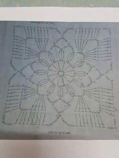 Ver que hermosa blusa Todo construido con tienda de lanas de ganchillo - patrones de ganchillo gratis