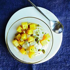 10-Minute Super-Healthy Recipes: Sautéed Breakfast Fruit And Yogurt http://www.prevention.com/food/healthy-recipes/quick-eat-clean-recipes?s=4&?cid=NL_PVNT_1980182_01142015_eatcleanrecipes_readmore