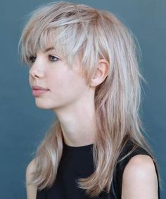 Fabulous Full Fringe Long Hairstyles 2018 for Women with Round Faces
