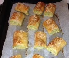 Recipe Chicken, Chia and Vegetable Sausage Rolls by learn to make this recipe easily in your kitchen machine and discover other Thermomix recipes in Baking - savoury. Savory Snacks, Healthy Snacks, Bellini Recipe, Chicken Recipes, Recipe Chicken, Sausage Rolls, Hot Dog Buns, Cooking Recipes, Yummy Food
