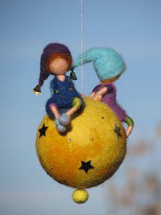 Waldorf inspiriert Nadel Filz Kindergarten Mobil von Made4uByMagic