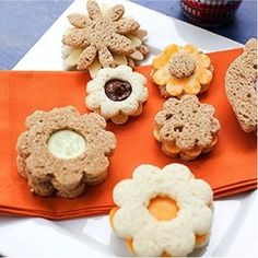 Food Kids Will Love: Pack A Safe & Healthy Basket Picnic food kids will love: Sandwich bouquets.Picnic food kids will love: Sandwich bouquets. Cute Food, Good Food, Yummy Food, Kids Picnic Foods, Picnic Ideas, Picnic Snacks, Picnic Dinner, Picnic Parties, Picnic Recipes