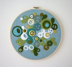 Felt embroidery hoop design in blues and greens, circles and paisley Embroidery Hoop Crafts, Felt Embroidery, Felt Applique, Embroidery Stitches, Crafts To Do, Arts And Crafts, Felt Wall Hanging, Felted Wool Crafts, Craft Box