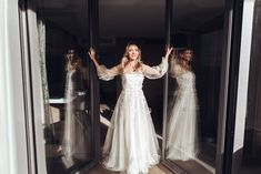 Radisson_Blu_Bride_6 Lace Wedding, Wedding Dresses, Elegant, Fashion, Dress Wedding, Wedding Bride, Wedding Photography, Photographers, Wedding Dress Lace