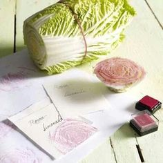 Etiketten selbst gestalten aus Büttenpapier und Chinakohl als Stempel Design your own labels from handmade paper and Chinese cabbage as a stamp Diy And Crafts, Crafts For Kids, Paper Crafts, Diy Paper, Make Your Own Labels, Fleurs Diy, Chinese Cabbage, Ideias Diy, Fabric Painting
