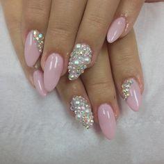 Nails with Pearls #Nails #beautyinthebag #nailart