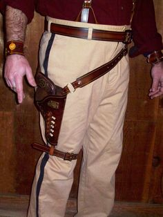 Steampunk Gun Holster Belt by SteampunkedOut on Etsy Steampunk Gun, Steampunk Costume, Steampunk Fashion, Concealed Carry Holsters, Gun Holster, Firefly Costume, Leather Working, Leather Craft, Cosplay Costumes