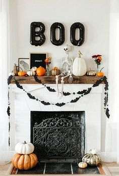 23 Beautiful And Creative Diy Halloween Table Decorations Ideas You Should Try. The most 20 coolest halloween decoration ideas you should try. 76 scary but creative diy halloween window decorations ideas you … # Casa Halloween, Halloween Mantel, Happy Halloween, Halloween Cookies, Halloween Costumes, Outdoor Halloween, Halloween Makeup, Scary Costumes, Creepy Halloween
