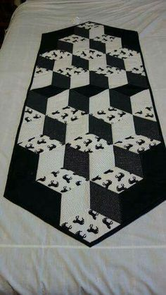 Patchwork Table Runner, Table Runner And Placemats, Quilted Table Runners, Tumbling Blocks Quilt, Quilt Blocks, Black And White Quilts, Place Mats Quilted, Quilted Table Toppers, How To Finish A Quilt
