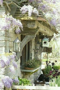 Stonework and wood around an English style cottage garden window. Style Cottage, French Country Cottage, French Country Style, French Farmhouse, Cottage Homes, Country Farmhouse, Country Cottages, Country Kitchens, Country Houses
