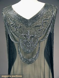Silver on Black Beaded Flapper Dress - 1920's - Augusta Auctions - @~ Mlle.   Stunning fibre work - artisan work!