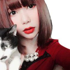 琥太郎と私と、時々王蟲(笑) 周り汚いから隠しちゃったけど 近くにロボット兵もハウルの城もあるよ👀  私の可愛い可愛い猫ちゃん。 溺愛のメロメロのでれでれ。ふへへ 私の天使ちゃんなの、可愛いでしょ!  #自撮り #selfie #サブカル #radwimps #selca #cat #selfportrait #愛猫 #portrait #王蟲 #japanesegirl #日本人 #girl #lady #red #angel #cat #猫 #風の谷のナウシカ #cute #sexy #ジブリ #ファインダー越しの世界 #ファインダー越しの私の世界 #pic #katyperry #me #followme #Japan #野田洋次郎