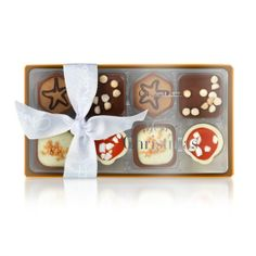 Filled with festive chocolates, including Apple Strudel, Salted Caramel & Praline, Christmas Mess and Trillionaire's Shortbread, the Christmas Pocket Selection is perfect for little gifts or sharing. Hotel Chocolate, Chocolate Heaven, Christmas Hamper, Christmas Fun, Dream Hotel, Chocolate Hampers, Chocolate Festival, Apple Strudel, Christmas Chocolate