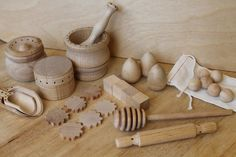 Nature's Playful Bakery Set - Natural Wooden Toy. $39.50, via Etsy.