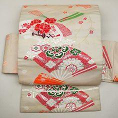 White, silk nagoya obi / 雅な柔らかさの扇や花柄をあしらった名古屋帯   #Kimono #Japan http://global.rakuten.com/en/store/aiyama/
