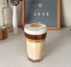 Oatmeal Cappuccino - the breakfast recipe Coffee Latte Art, Coffee Cups, Iced Coffee, Espresso Coffee, Moka, Cake Wallpaper, Healthy Sweets, Healthy Recipes, Cappuccino Machine