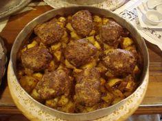 μπιφτεκάκια φουρνιστά ...... @pezoula_paros Ethnic Recipes, Food, Essen, Yemek, Meals