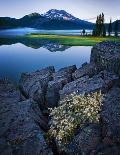 ✯ Bend, Oregon Cody and his buddies are going to Bend, Oregon and renting a cabin on the lake for his bachelor party. I'm so psyched for Vegas but I am kind of jealous