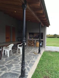 Diy Patio, Backyard Patio, Industrial Farmhouse, Industrial Loft, Built In Braai, Design Your Dream House, Interior And Exterior, Pergola, Cottage