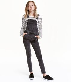 Dungarees in washed, stretch twill with adjustable straps, a pocket at the top…