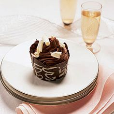 Chocolate Mousse Cups No Bake Summer Desserts, Mini Desserts, Holiday Desserts, Chocolate Desserts, Delicious Desserts, Yummy Food, Homemade Chocolate, Bakery Recipes, Dessert Recipes