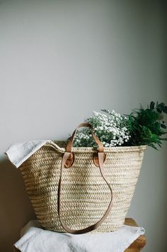 The Classic French market basket - a great carryall for trips to the market or toting lots of baguettes and cheese on one's way to a picnic. This simple French market tote is handwoven from date palm Fru Fru, Market Baskets, Wet Bag, Basket Bag, Wicker, Rattan, Straw Bag, Reusable Tote Bags, Purses