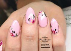 Acrylic overlays, pink iLac gel polish and hand painted flowers  #thenailcabinlincs #showscratch #nailart #nailsonfleek #acrylicnails #nails💅 #naildesigns #nailsbyme #newnails #nailswag #inklondon #gelpolish #nailporn #icandonails #nailartist #naillife #nailsdid #nailfashion #nailjunkie