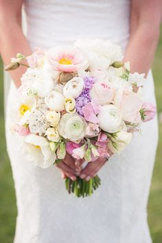 Pastel, paper-like poppies | Floral design by Hello Blossoms