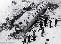 Авиакатастрофа в Андах 13 октября 1972 года, также известная как Чудо в Андах (El Milagro de los Andes) — авиационная катастрофа чартерного рейса номер 571 уругвайских ВВС с 5 членами экипажа и 40 пассажирами-уругвайцами на борту (члены регбийной команды, их родственники, экипаж, спонсоры).  28  человек  остались  без  еды,  теплой  одежды  среди  гор  и  снегов.