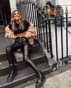 pretend I'm not freezing – casual autumn outfit, spring outfit, summer, – fashion – travel outfit plane Summer Fashion Outfits, Casual Fall Outfits, Spring Outfits, Travel Outfits, Fashion Fashion, Hipster Girl Outfits, Sporty Fashion, Fashion Quotes, Couture Fashion