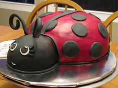 Lady bug fondant cake