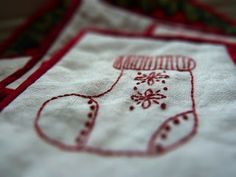 Things[Hand Made]: Redwork patterns to celebrate the season.