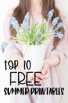 I scoured the internet looking for the best top 10 summer free printables and found so many fun ones! From an I-Spy game to wall art, from coloring pages to a travel binder, it