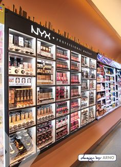 no makeup beauty Cosmetic Display, Cosmetic Shop, Cosmetic Stores, Showroom Design, Shop Interior Design, Boutique Interior, Make Up Studio, Beauty Supply Store, Makeup Store