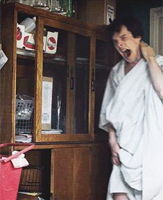 Read 19 ♡ from the story ♡Sherlock's The Type ♡ by ASherlockLoPeinaDios (. Sherlock es el tipo de novio que andar. Benedict Sherlock, Sherlock John, Sherlock Holmes Series, Sherlock Poster, Sherlock Holmes Benedict Cumberbatch, Sherlock Fandom, Johnlock, Martin Freeman, Wattpad