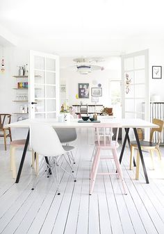 Various Dimensions for Home Gym Design – House Viral Gossip Dining Room Inspiration, Interior Design Inspiration, Design Ideas, Casa Color Pastel, Pastel Colors, Pastels, Estilo Interior, Pastel Interior, Interior Styling