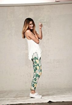 Love the idea of making the floral pant trend casual: adding tennis shoes. Change it up a bit.