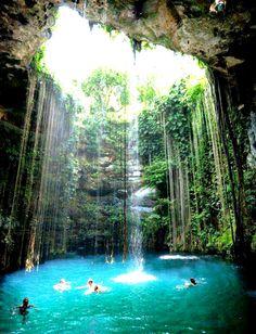 Breathtakingly beautiful! - Cenote at the Chitzen Itza