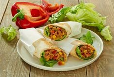 Wraps mit Hackfleisch » Einfach Lecker » Rezeptideen für jeden Tag Knorr Fix, Wrap Sandwiches, Fresh Rolls, Food And Drink, Cooking Recipes, Mexican, Snacks, Ethnic Recipes, Kitchen