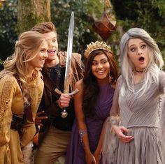 Knight Squad Nickelodeon Girls, Nickelodeon Shows, Knight Squad, That's Entertainment, Savannah Chat, Tv Shows, Cosplay, Stars, Random