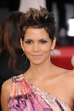 Halle Berry #Hairstyles