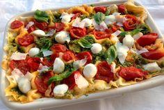 Lasagne fredde di pane carasau pomodorini mozzarella e pesto