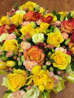 #pallotsflorist #cheapside #jersey Cheap Sides, Floral Wreath, Ann, Wreaths, Rose, Flowers, Plants, Home Decor, Homemade Home Decor