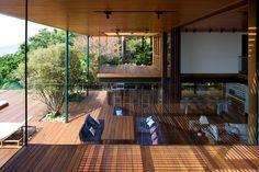 Guarujá House in Sao Paulo, Brazil by Bernardes Jacobsen