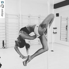 This trick looks awesome. Cool hand grip behind the back! #polewear #theoriginalpolewear @pleasershoes  #Repost @mhillar ・・・ #highheels #pleasureshoes #badkittypride #ig_poledance #power #flexibility #fitchicks #fitness #fun #polefit #polefun #poleflex #polelife #polelove #poledance  #poledancer  #polefitness #poleaddicted #poleprogress #poleathletics #poledancewear #poledancenation #poledancersofinstagram @verticalfitpoland @esensai #brazilianshorts  @pleasershoes @beng_danceshop…