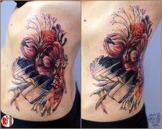Redberry Tattoo Studio Wrocław #tattoo #inked #ink #studio #wroclaw #warszawa #tatuaz #dresden #redberry #katowice #amazingtattoo #dzolama #redberrytattoostudio #amaizingtattoo #poland #berlin #sketch #delicate #kwiaty #flowers #aquarel #akwarela #music #muzyka