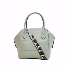Now we r having Pre-GSS, many handbags- disc up to 50% off! Drop by ok?  Gracious Aires: Raffles City #03-03 Plaza Singapura #03-49 or visit us :-  http://facebook.com/graciousaires    (Like us)  http://www.zalora.sg/women/bags/gracious-aires/  http://graciousaires.com/about-us/  https://www.instagram.com/graciousaires/