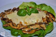 Piept de pui gratinat cu mozzarella si ciuperci - CAIETUL CU RETETE Mozzarella, Meat, Chicken, Food, Beef, Meal, Essen, Hoods, Meals